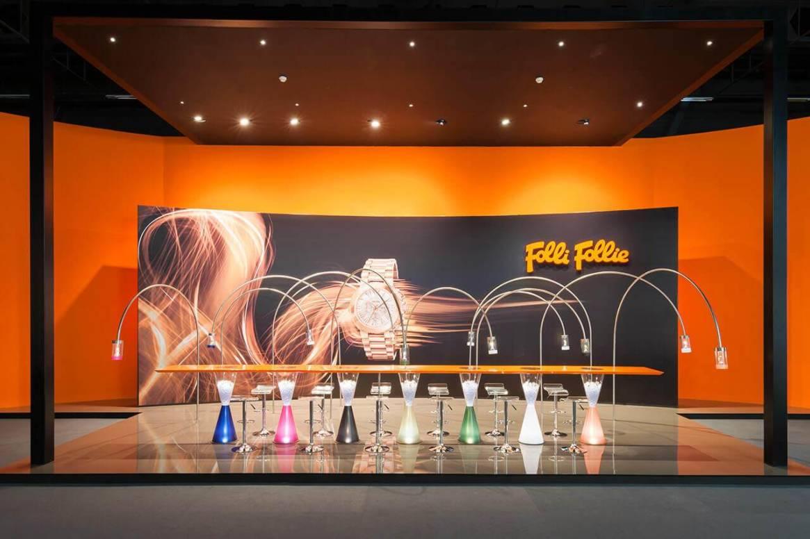 3dd6415f69 To party στην Folli Follie ξεκίνησε από τα καταστήματα Attica ...